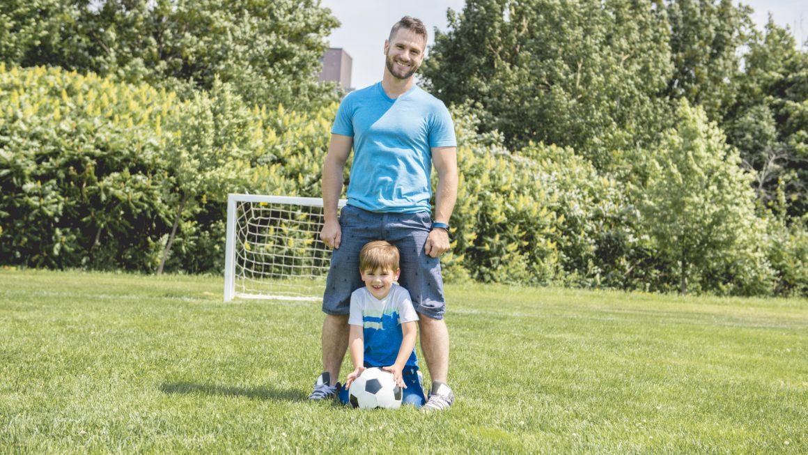 Fodbold kan sagtens foregå hjemme i haven